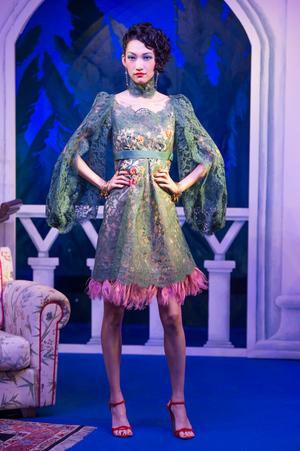芸能人篠田麻里子がInstagramで着用した衣装ワンピース