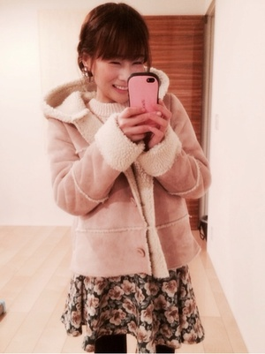 芸能人がブログで着用した衣装アウター