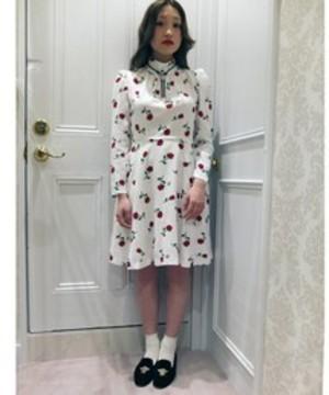 芸能人紗羅マリーがInstagramで着用した衣装ワンピース