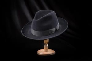 芸能人がスリル!で着用した衣装帽子