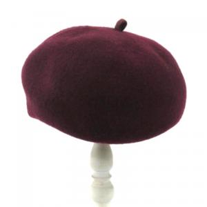 芸能人が稲垣家の喪主で着用した衣装ハンチング/ベレー帽