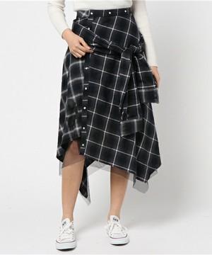芸能人がInstagramで着用した衣装ニット/スカート/シューズ・サンダル