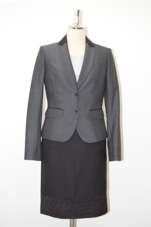 芸能人が東京女子図鑑で着用した衣装スーツ(スカート)