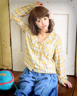 芸能人が前田亜季で着用した衣装ブラウス