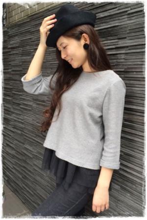 芸能人がANESSA Facebookページで着用した衣装Tシャツ/カットソー