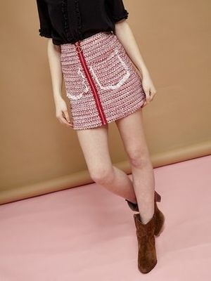 芸能人がyoutubeで着用した衣装スカート