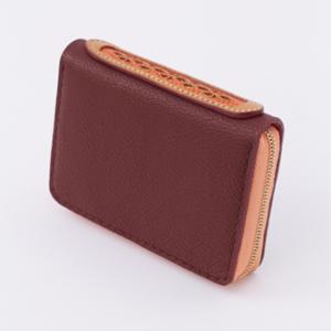 芸能人がReLIFEで着用した衣装財布