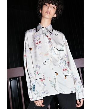 芸能人が雑誌で着用した衣装シャツ