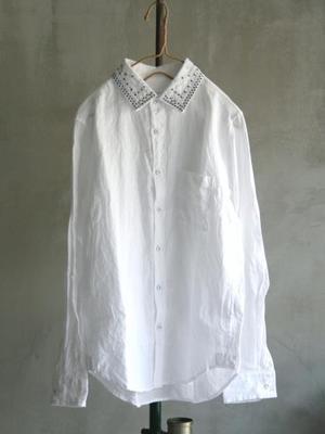 芸能人主役:女子モドキ・J(細身で長身)が人は見た目が100パーセントで着用した衣装シャツ