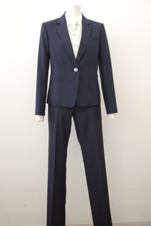芸能人が十津川警部シリーズ2で着用した衣装スーツ(2ピース)