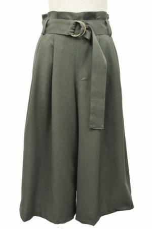 芸能人が十津川警部シリーズ2で着用した衣装パンツ