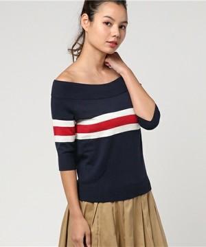 芸能人女子モドキ・M(美の知識が古いまま…)が人は見た目が100パーセントで着用した衣装ニット