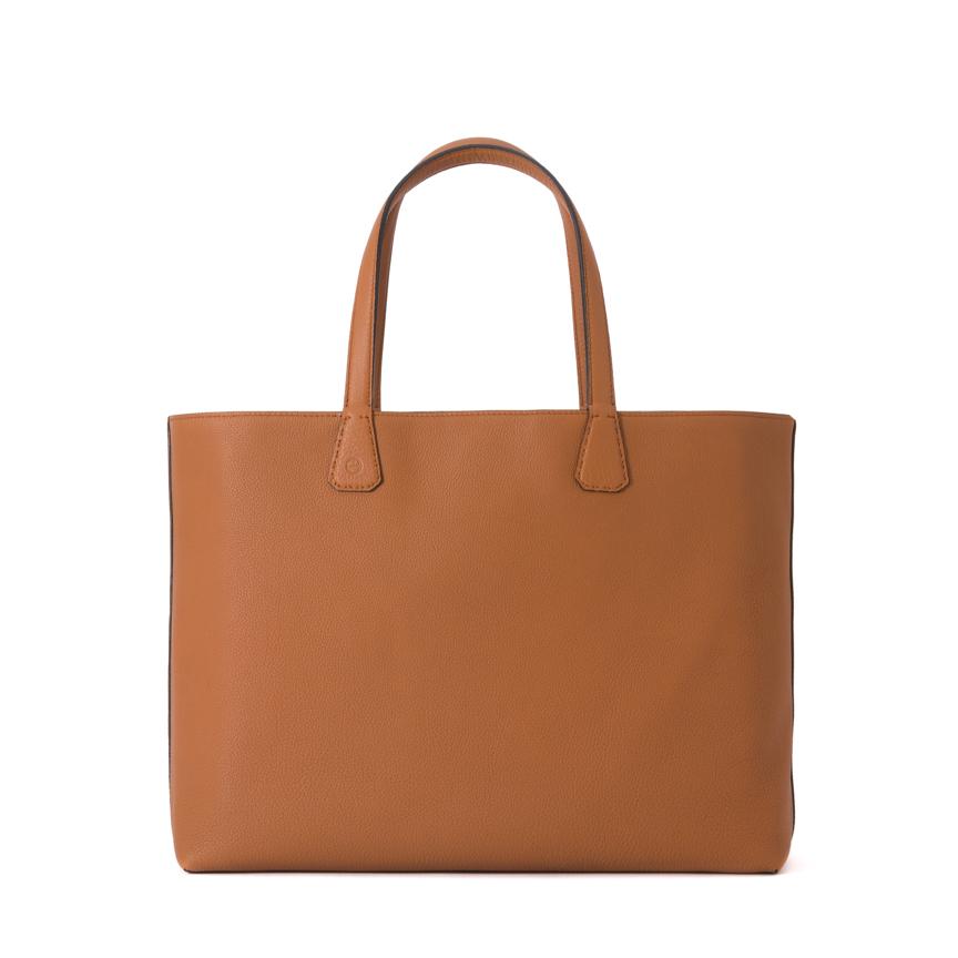 芸能人が恋がヘタでも生きてますで着用した衣装バッグ