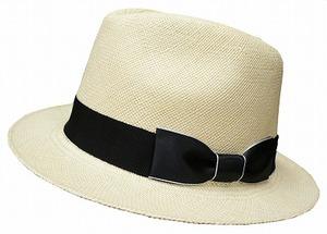 芸能人がファースト・クラスで着用した衣装帽子