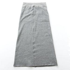 芸能人主役:女子モドキ・J(細身で長身)が人は見た目が100パーセントで着用した衣装スカート