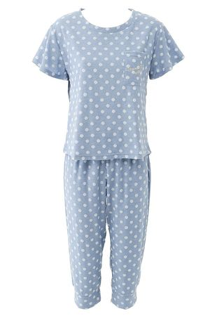 芸能人ステキ女子・化粧品会社の庶務課勤務が人は見た目が100パーセントで着用した衣装パジャマ