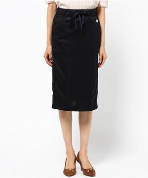 芸能人大学生・怪物に恋をされる♡がフランケンシュタインの恋で着用した衣装スカート