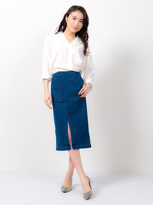 芸能人がPON!で着用した衣装デニムスカート