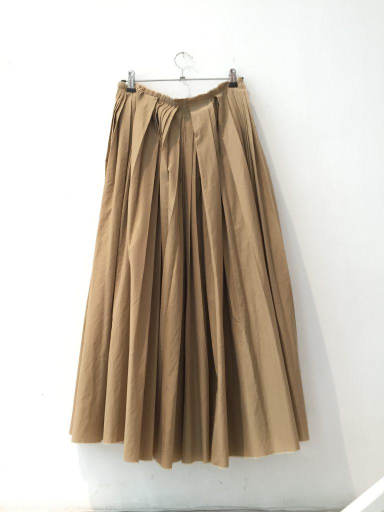 芸能人がchouchouで着用した衣装スカート