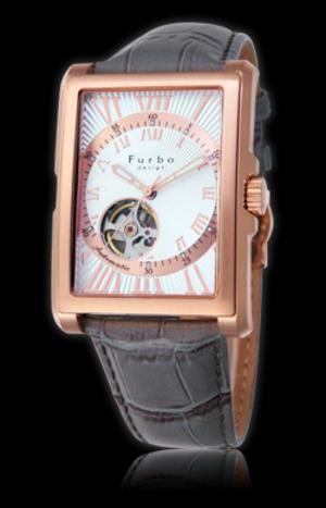 芸能人が55歳からのハローライフで着用した衣装時計