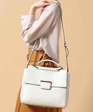 芸能人ステキ女子・化粧品会社勤務が人は見た目が100パーセントで着用した衣装バック