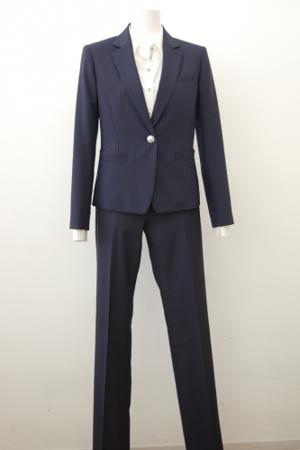 芸能人が光で着用した衣装スーツ(2ピース)
