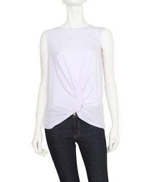 芸能人女子モドキ・M(美の知識が古いまま…)が人は見た目が100パーセントで着用した衣装カットソー