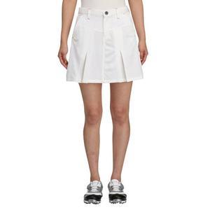 芸能人直感型の女・8頭身美人がボク、運命の人です。で着用した衣装スカート