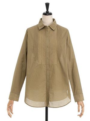 芸能人女子モドキ・M(美の知識が古いまま…)が人は見た目が100パーセントで着用した衣装シャツ / ブラウス