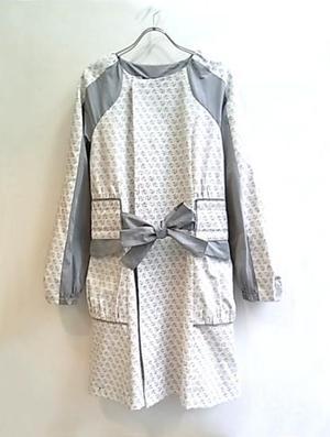 芸能人がオンナルールで着用した衣装コート