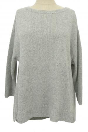 芸能人が22年目の告白で着用した衣装ニット/セーター