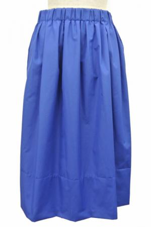 芸能人があるある晩餐会で着用した衣装スカート