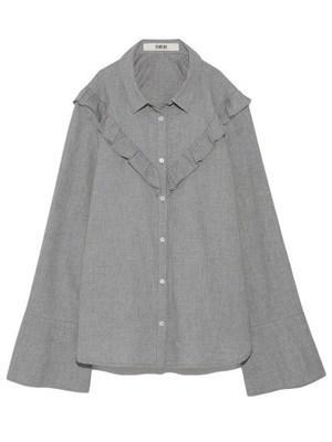 芸能人が乃木坂工事中で着用した衣装ブラウス/スカート/シューズ・サンダル
