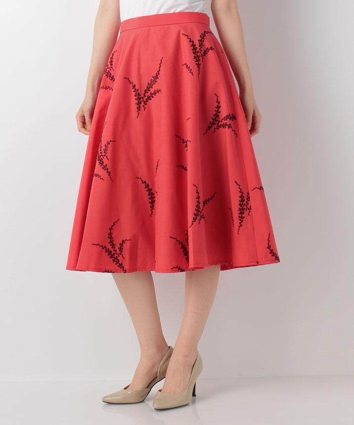 芸能人が金曜ロンドンハーツで着用した衣装スカート