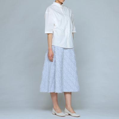芸能人がchouchouで着用した衣装ジュエリー、スカート、シャツ