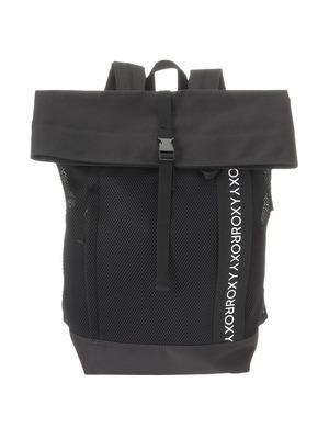 芸能人がInstagramで着用した衣装バッグ/リュック