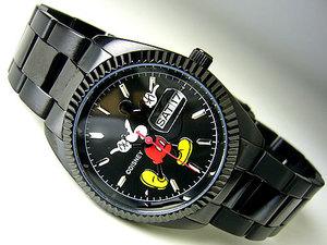 芸能人がInstagramで着用した衣装時計