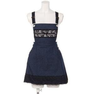 芸能人がショッピングサイトで着用した衣装スカート
