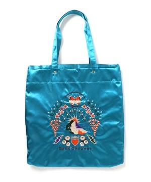 芸能人役柄:スタイリストがセシルのもくろみで着用した衣装バッグ