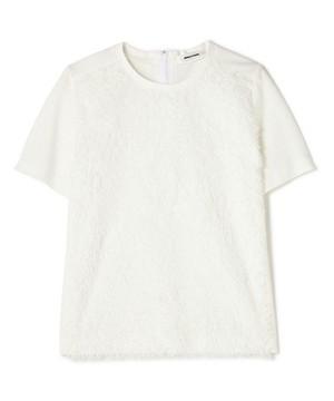 芸能人役柄:バディを組むファッションライターがセシルのもくろみで着用した衣装Tシャツ