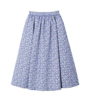 芸能人がコードブルーで着用した衣装ブラウス/スカート