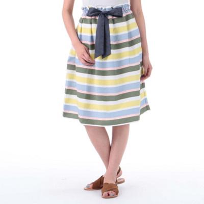 芸能人がウチの夫は仕事ができないで着用した衣装ニット、スカート
