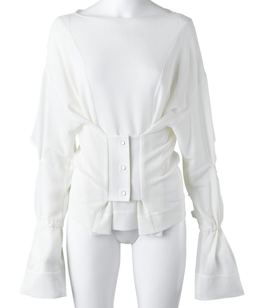 芸能人がPON!で着用した衣装シューズ、ジュエリー、スカート、ベルト、ブラウス
