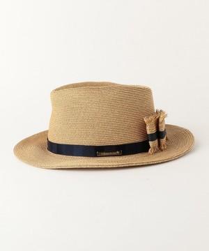 芸能人役柄:No.1カバーモデルがセシルのもくろみで着用した衣装帽子