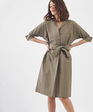 芸能人役柄:No.1カバーモデルがセシルのもくろみで着用した衣装ワンピース