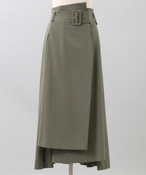 芸能人がウェークアッププラスで着用した衣装スカート