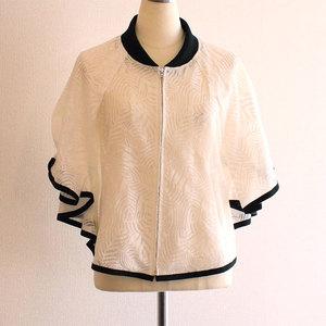 芸能人がInstagramで着用した衣装トップス(白)