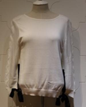 芸能人が下北沢ダイハードで着用した衣装ニット/セーター