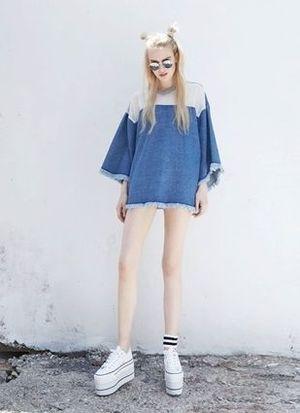 芸能人が西野七瀬で着用した衣装Tシャツ・カットソー