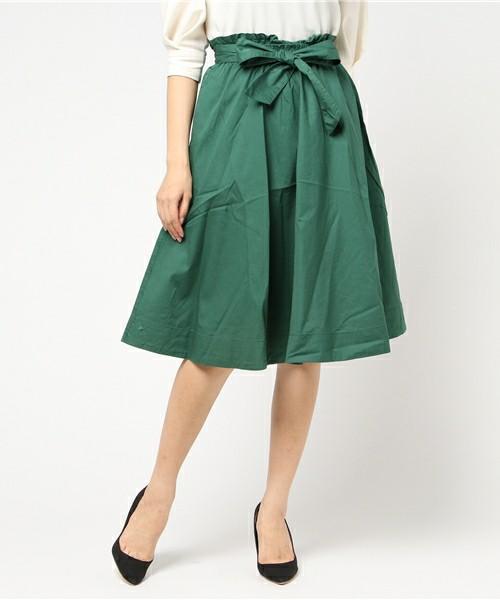 芸能人がウチの夫は仕事ができないで着用した衣装スカート